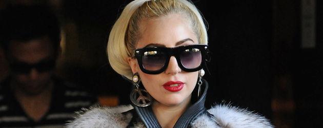 Lady Gaga mit Fozzie und Pelz