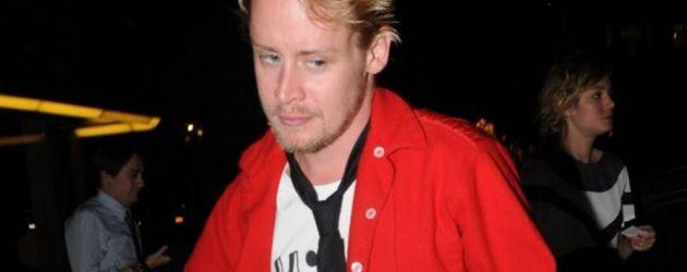 Macaulay Culkin rote Jacke