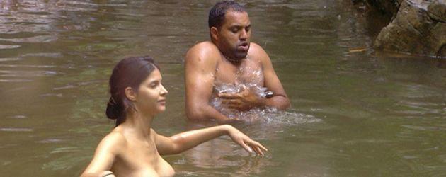 Micaela zeigt Ailton ihre Brüste