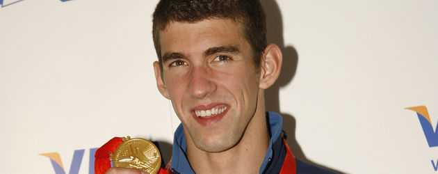 Michael Phelps mit Goldmedaille