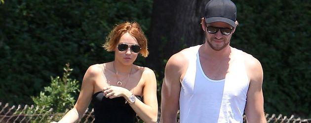 Miley Cyrus verliert fast ihr Top