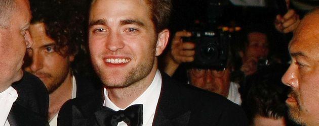 Robert Pattinson mit Fliege