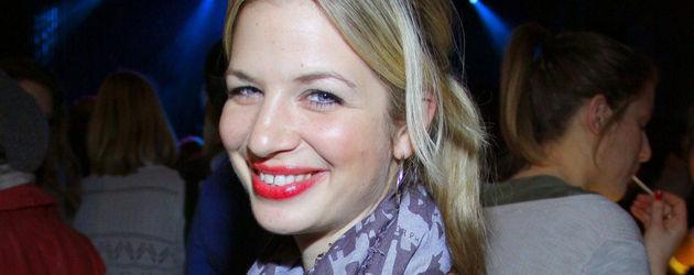 Susan Sideropoulos mit roten Lippen