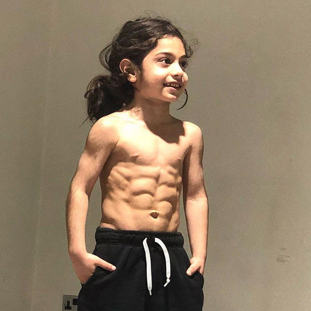 Sixpack junge mit 12 jähriger Gewichtsprobleme bei