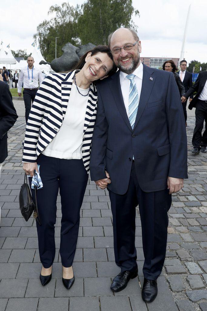 Bildergebnis für martin Schulz privat mit Ehefrau