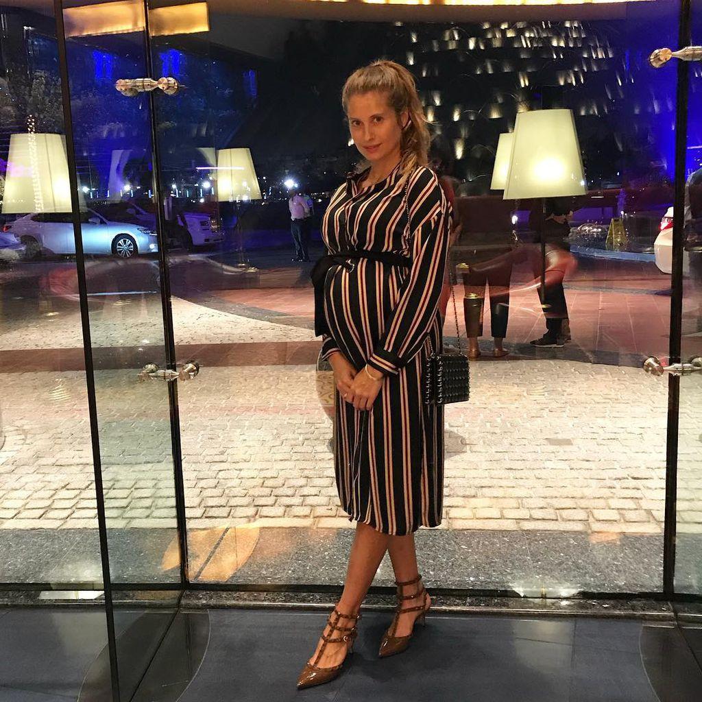 Perfekter Schwanger Look Cathy Hummels Setzt Auf Streifen