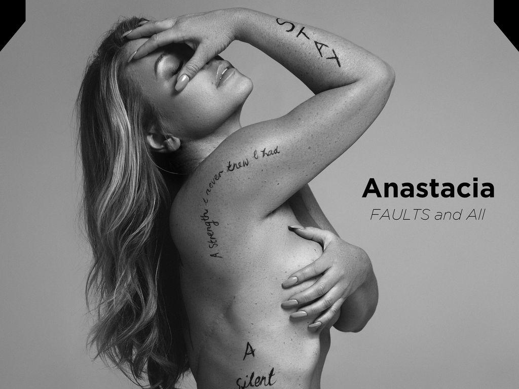 Anastacia auf dem Cover des FAULT Magazine