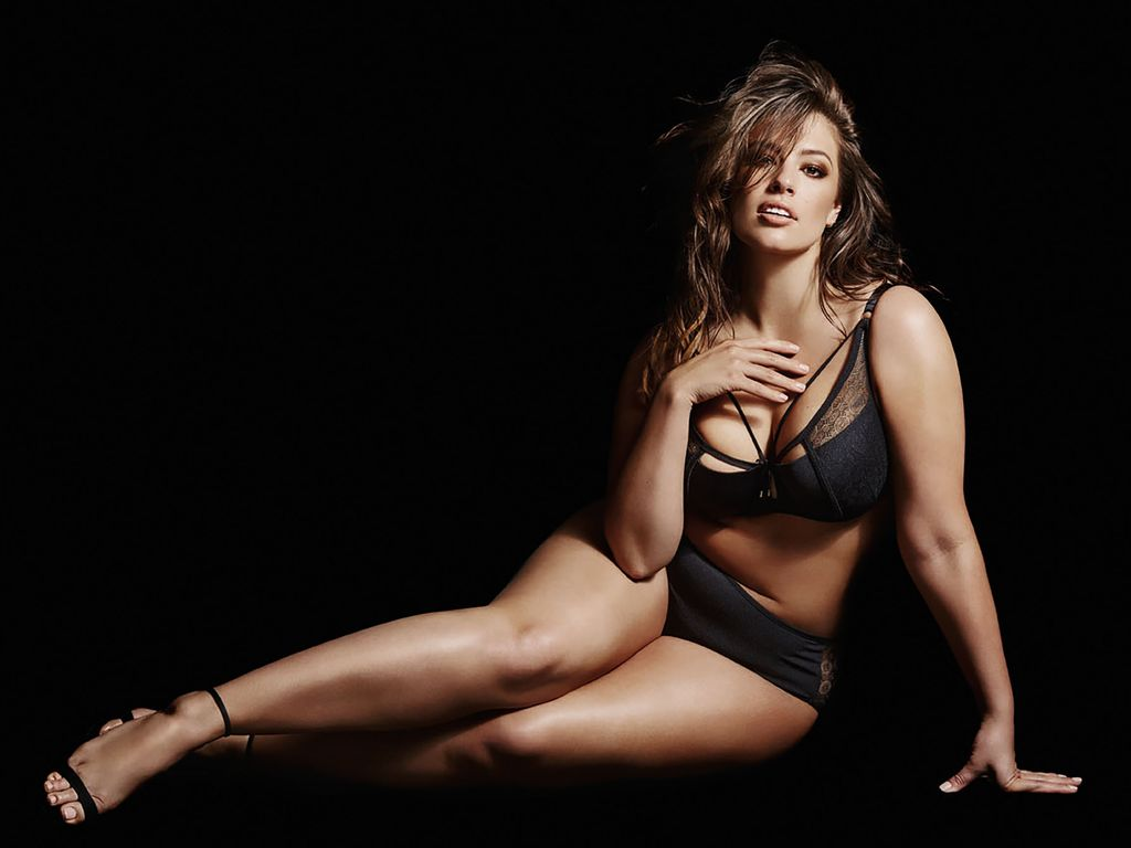 Ashley Graham in einer Dessous-Werbekampagne