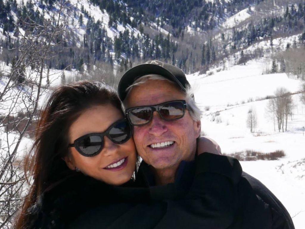 Catherine Zeta-Jones und Michael Douglas im Ski-Urlaub