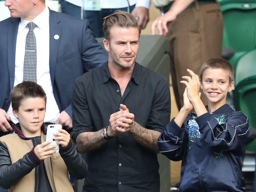David, Romeo und Cruz Beckham klatschen beim Wimbledon Viertelfinale 2016