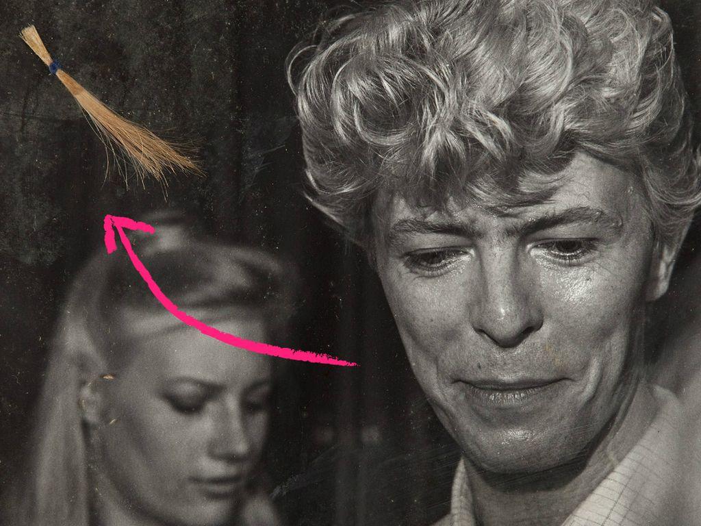 Die versteigerte Haarsträhne von David Bowie