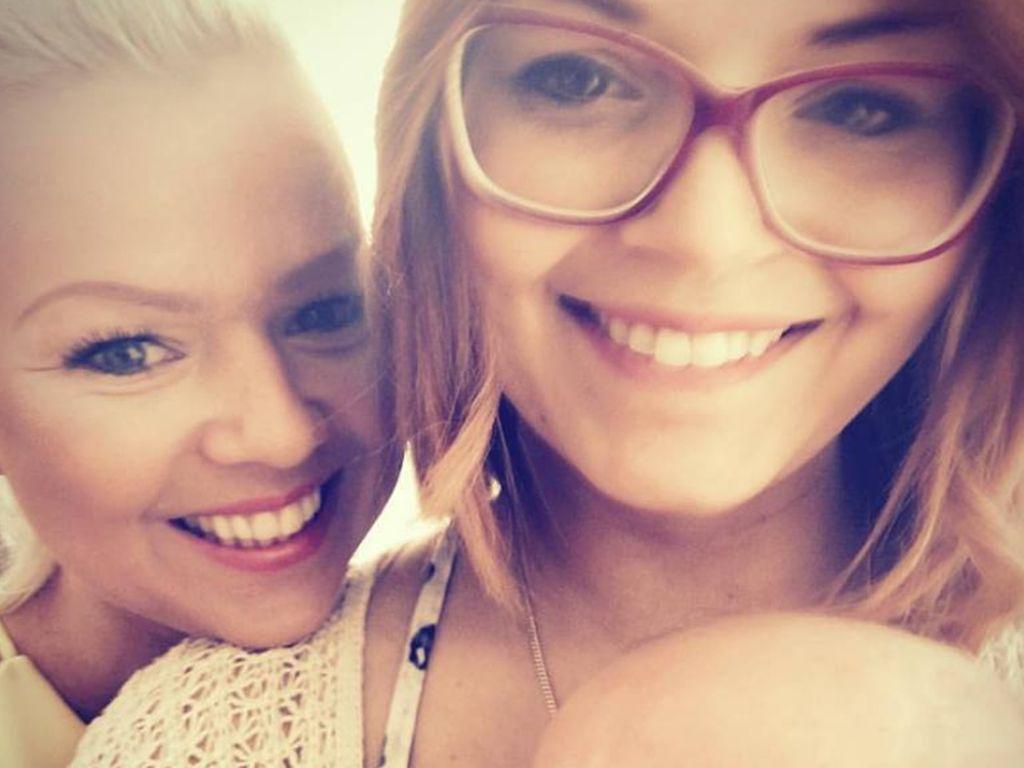 Doreen Steinert mit ihrer Schwester und deren Baby