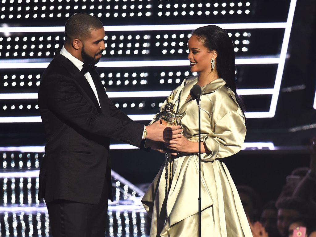 "Drake und Rihanna bei den ""MTV Video Music Awards 2016"""