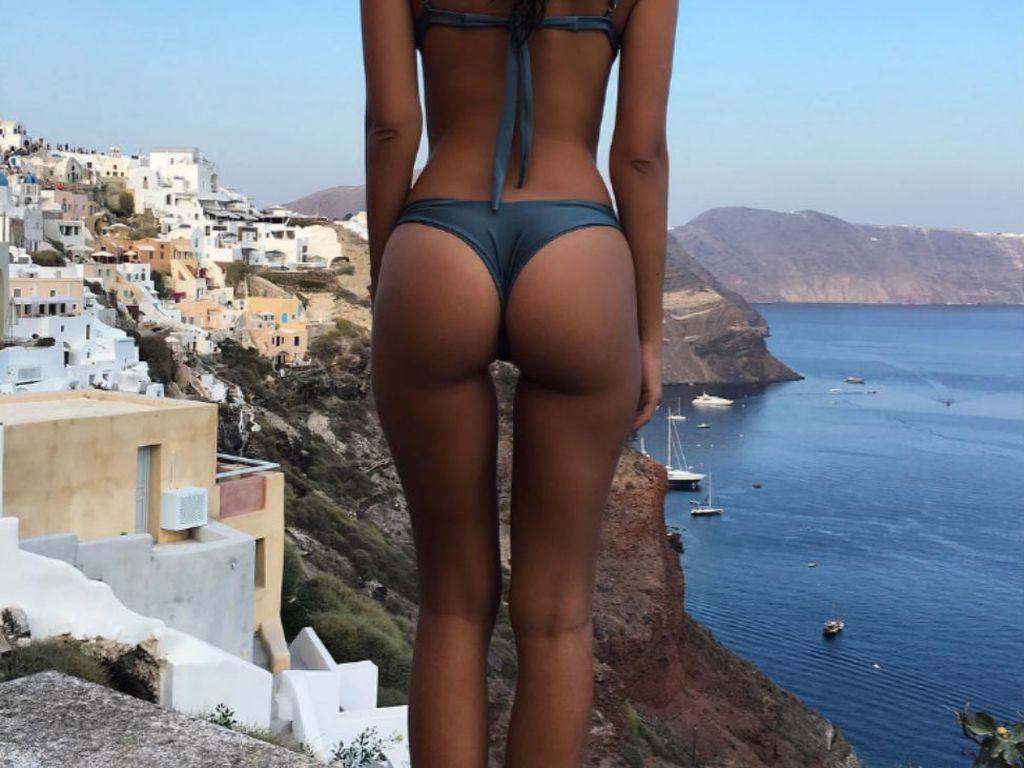 Model Emily Ratajkowski von hinten