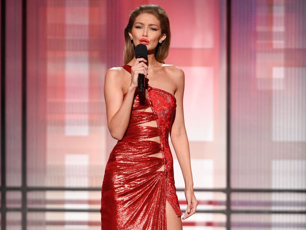 Gigi Hadid bei den American Music Awards 2016 in Los Angeles