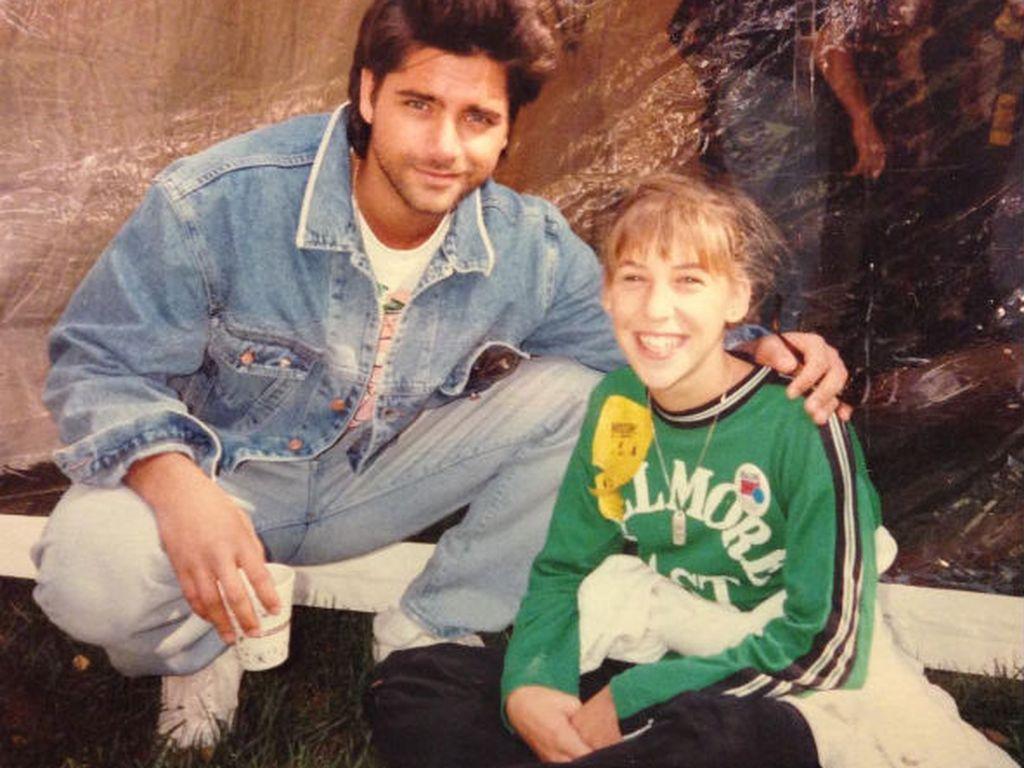 John Stamos und Mayim Bialik im Jahr 1988