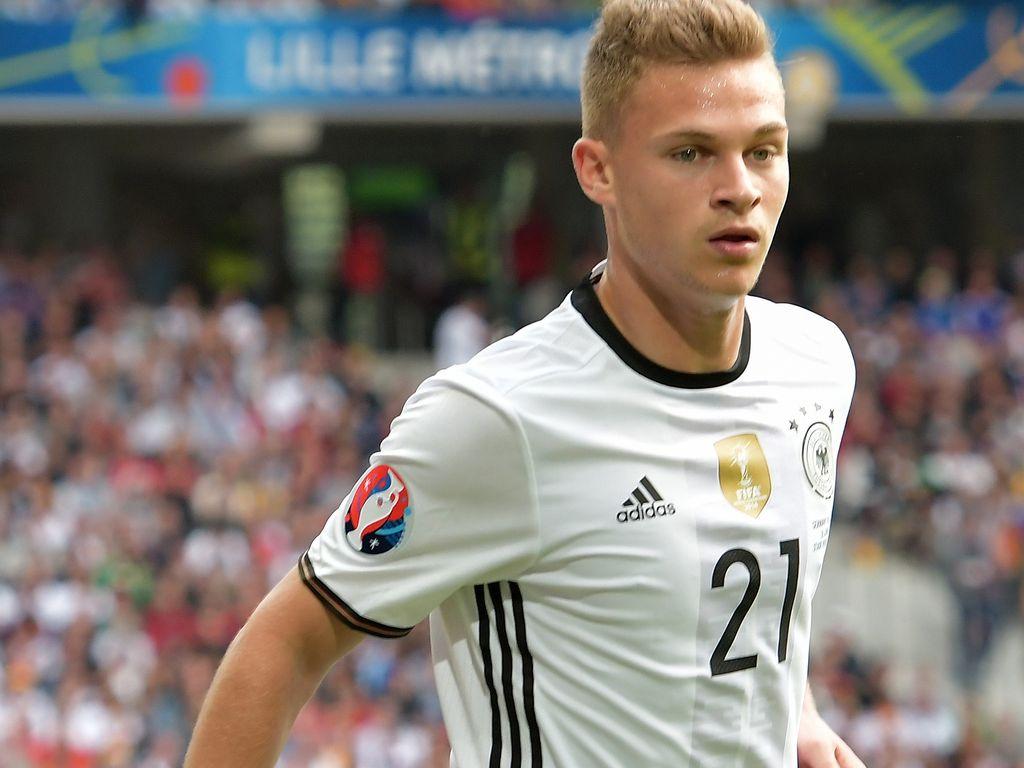 Joshua Kimmich bei der Fussball-EM 2016: Deutschland vs Slowakei