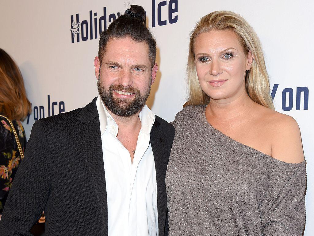 Kai Schwarz und Magdalena Brzeska bei der Holiday on Ice Gala in Hamburg
