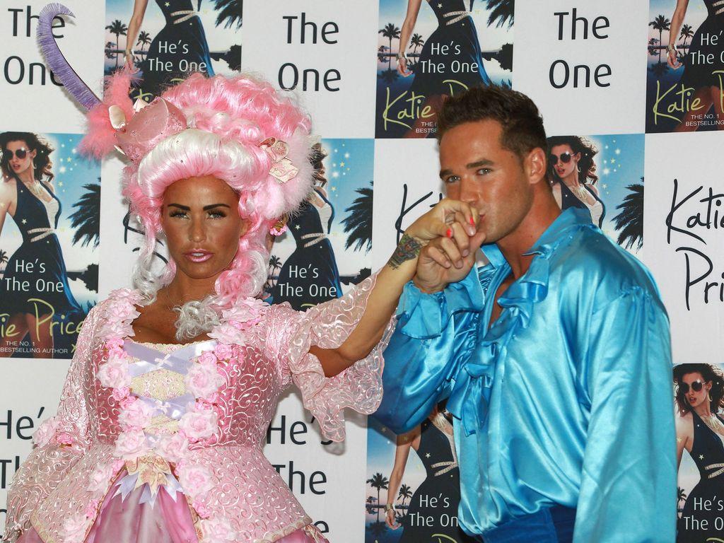 Katie Price und Ehemann Kieran Hayler stellen ihr Buch 'He's The One' vor
