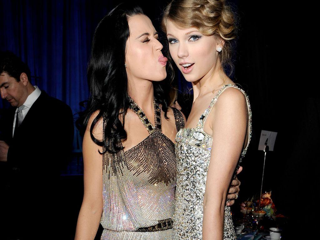 Katy Perry und Taylor Swift bei den Grammys 2010