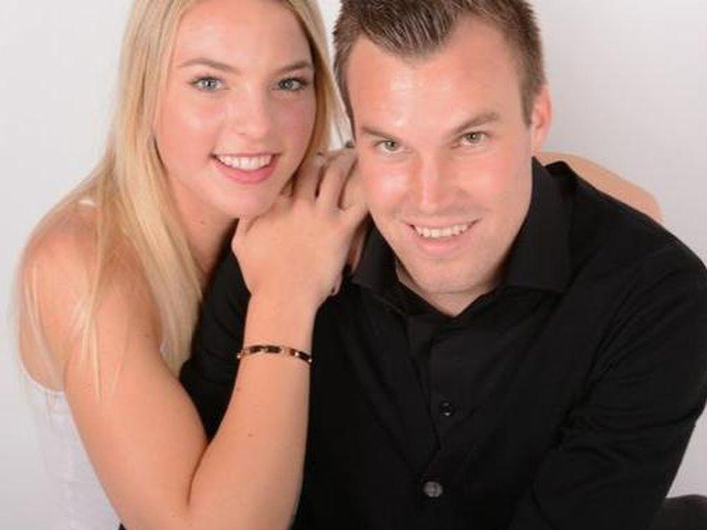 Kevin Großkreutz und seine Freundin Caro (v.r.)