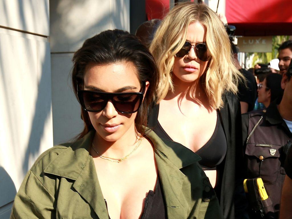 Kim Kardashian und Khloe Kardashian in Beverly Hills