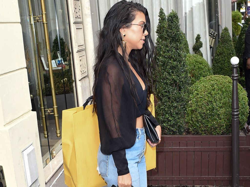 Kourtney Kardashian vor dem Fendi Store in Paris