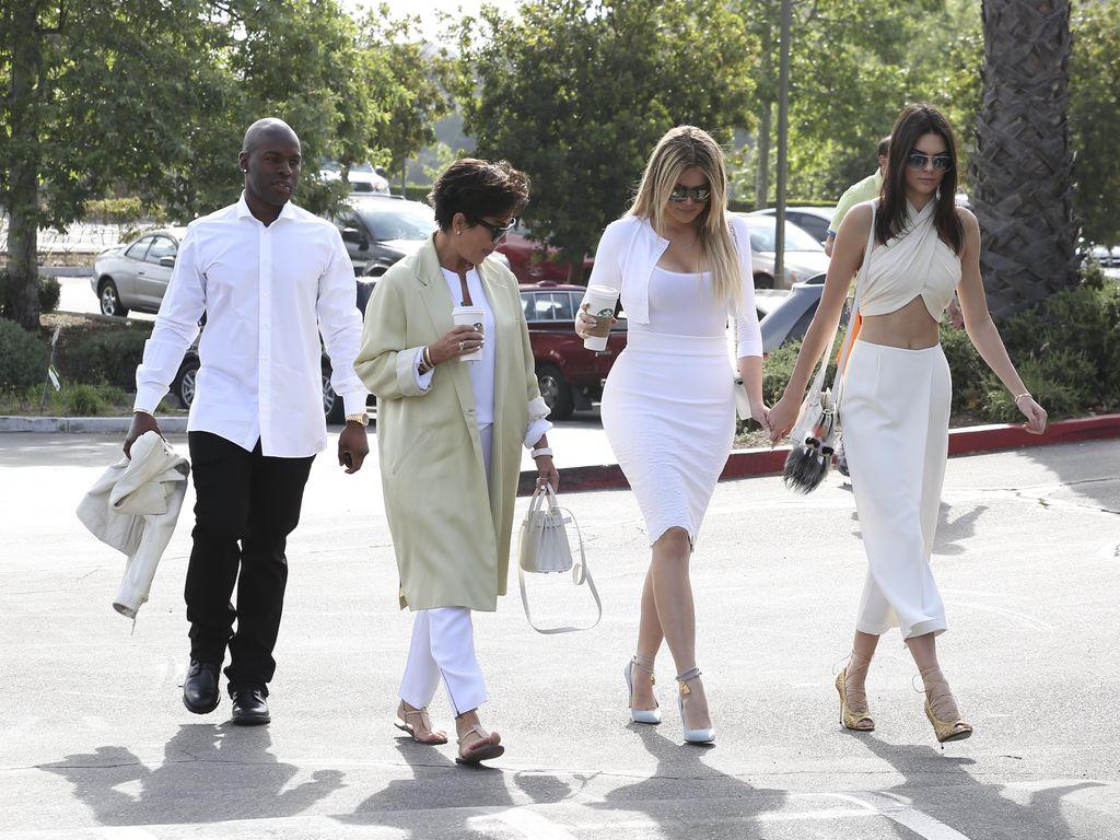 Khloe Kardashian, Kendall Jenner, Kris Jenner und Corey Gamble