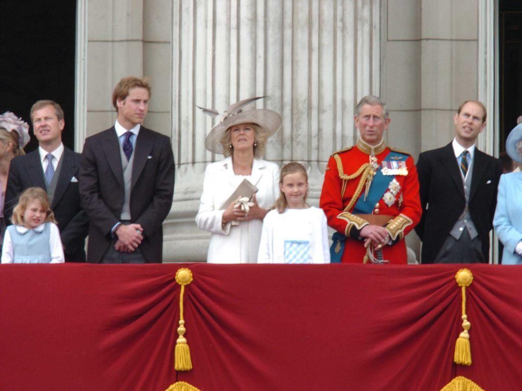 Lord Ivar Mountbatten (links) mit der royalen Familie auf dem Balkon des Buckingham Palastes