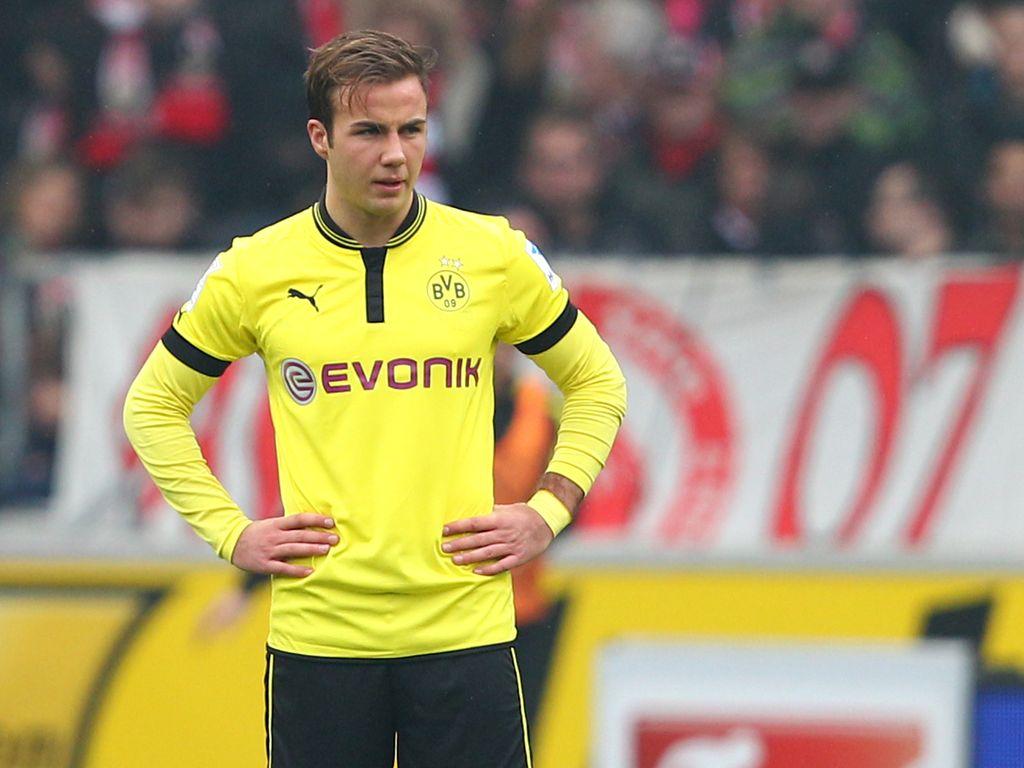 Mario Götz beim Spiel Borussia Dortmund gegen den VfB Stuttgart