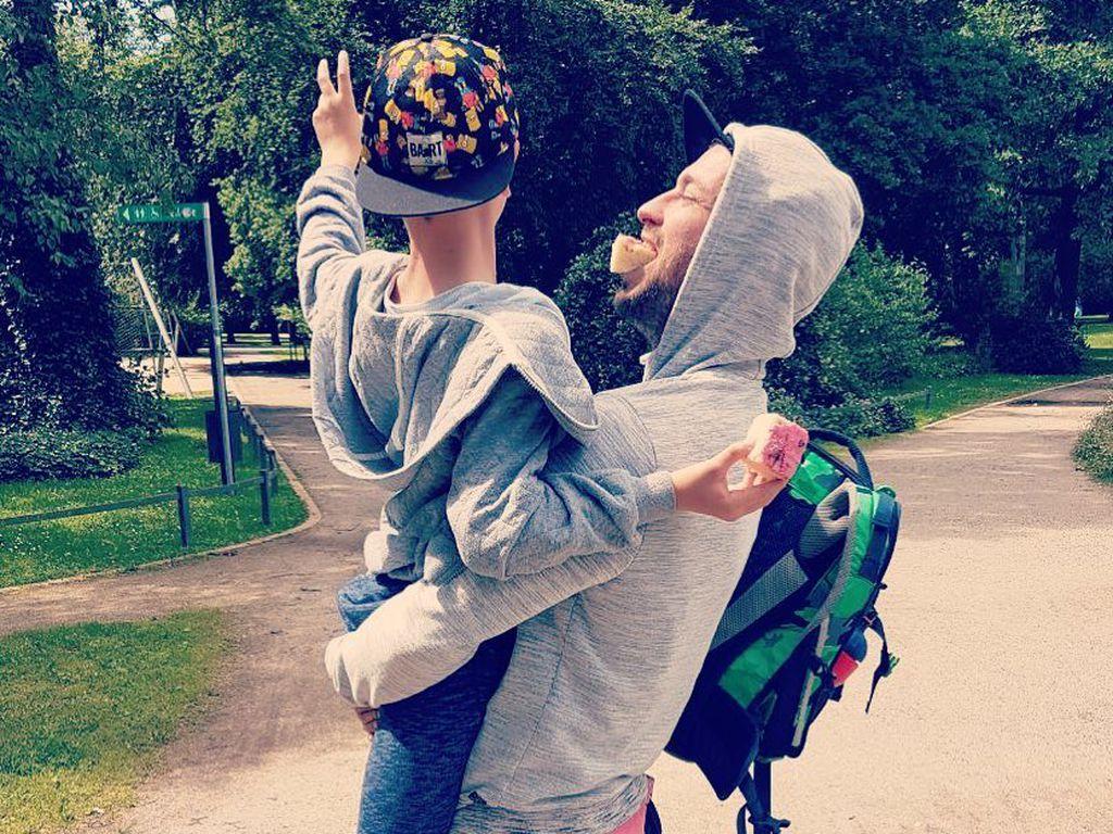 Marteria und sein Sohn Louis