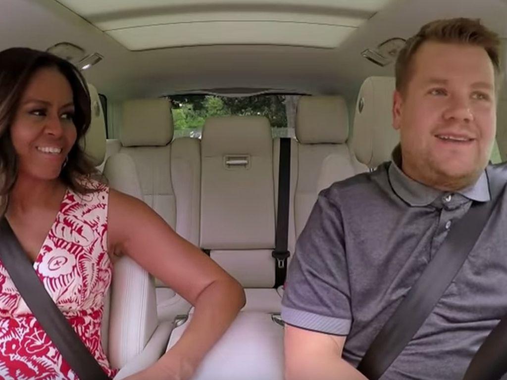 """Michelle Obama und James Corden beim """"Carpool Karaoke"""""""