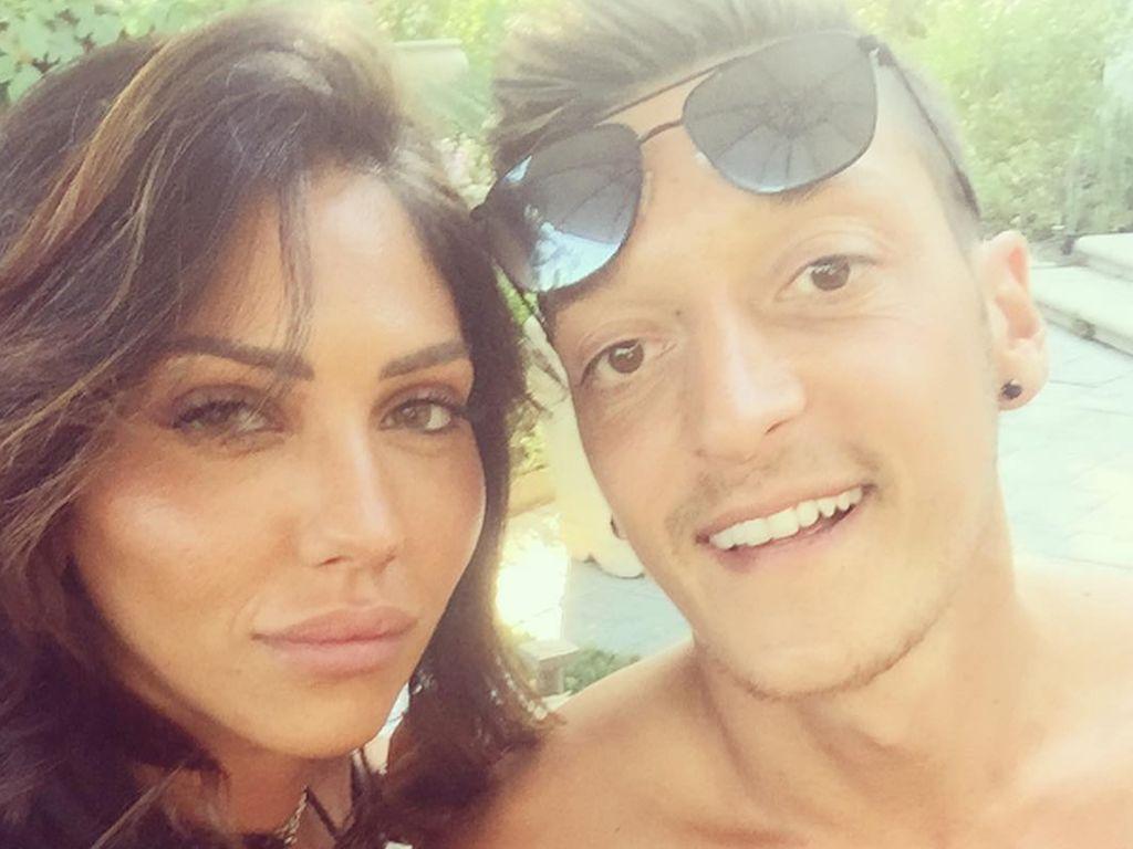 Danielle Lahav und Mesut Özil