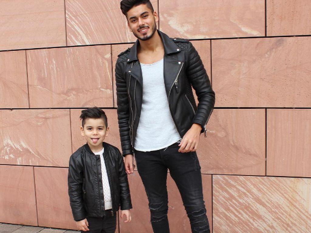 Momo und Abbas mit Matching Outfits