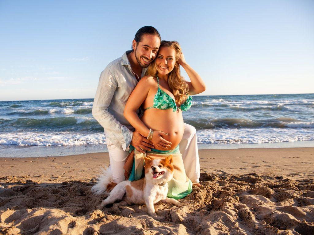 Rebecca Kratz und ihr Julio am Strand