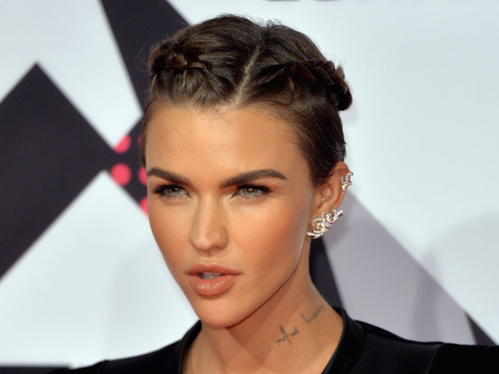 Ruby Rose Celebrity Hair Changes Really: Pommes-Attacke Auf Kellner: Jetzt Spricht OITNB-Ruby Rose