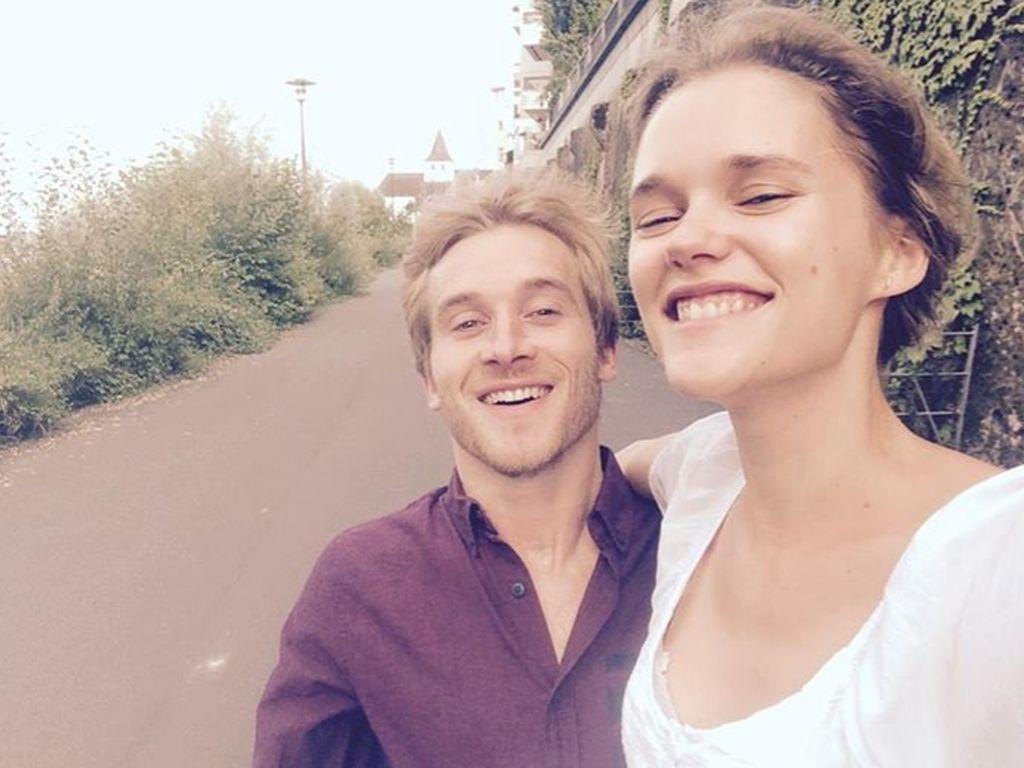 Samuel Koch und seine Freundin Sarah Elena