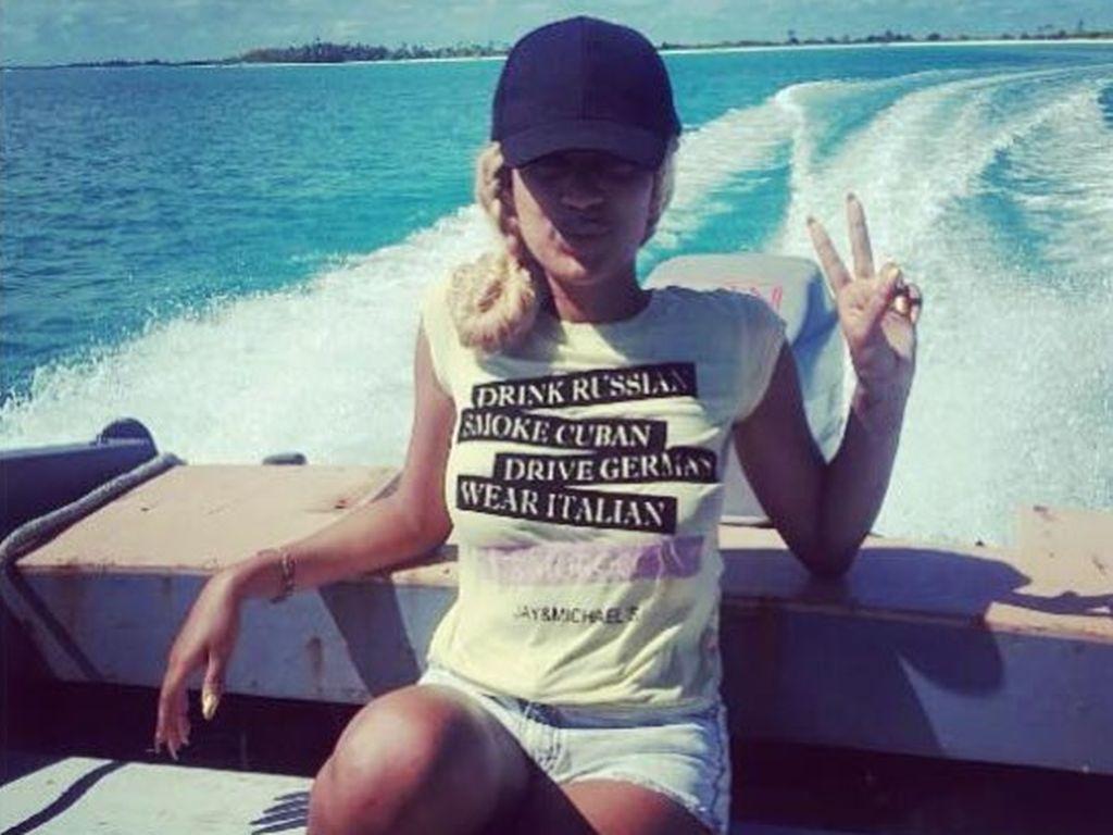 """Sarah Joelle Jahnel auf Tahiti beim Dreh zu """"Adam sucht Eva - Promis im Paradies"""""""