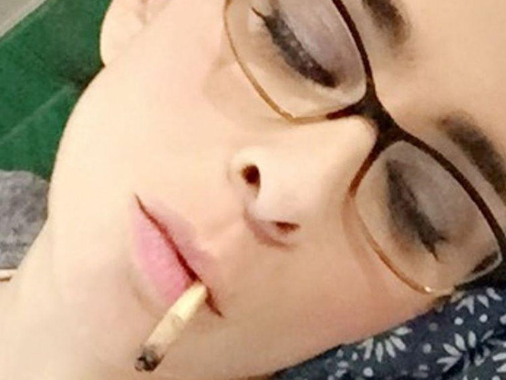 Sarah Silverman beim Rauchen