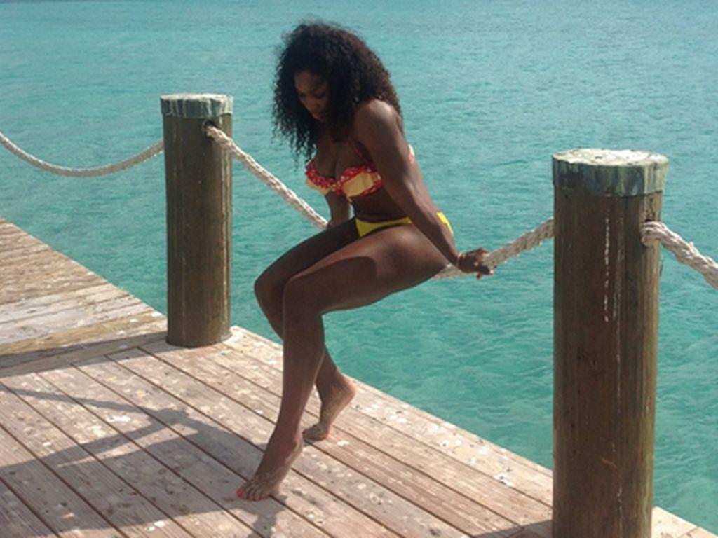 Serena Williams: Bikini Beach Photo