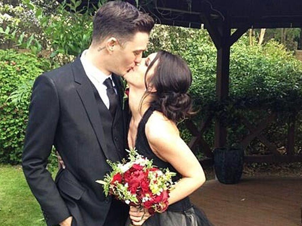 90210-Star Shenae Grimes feiert Gothic-Hochzeit!  Promiflash.de