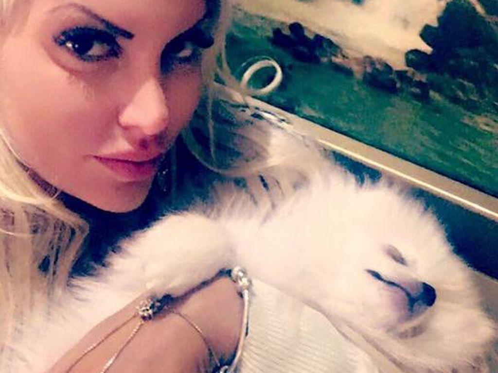 Sophia Wollersheim mit ihrem Hund Barny Boo