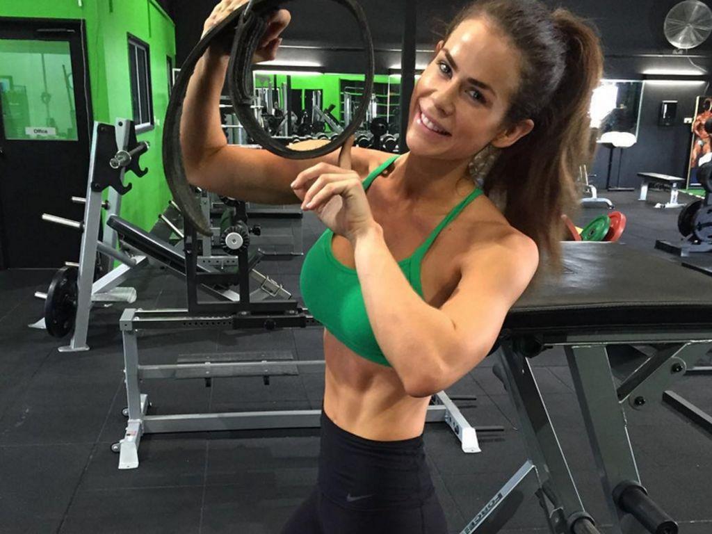 Sophie Guidolin im Fitnessstudio