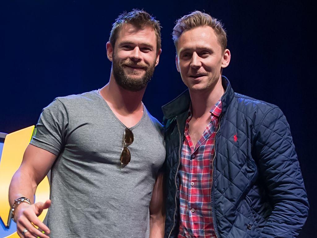 """Chris Hemsworth  und Tom Hiddlestonauf der """"Wizard World Comic Con"""" in Philadelphia"""