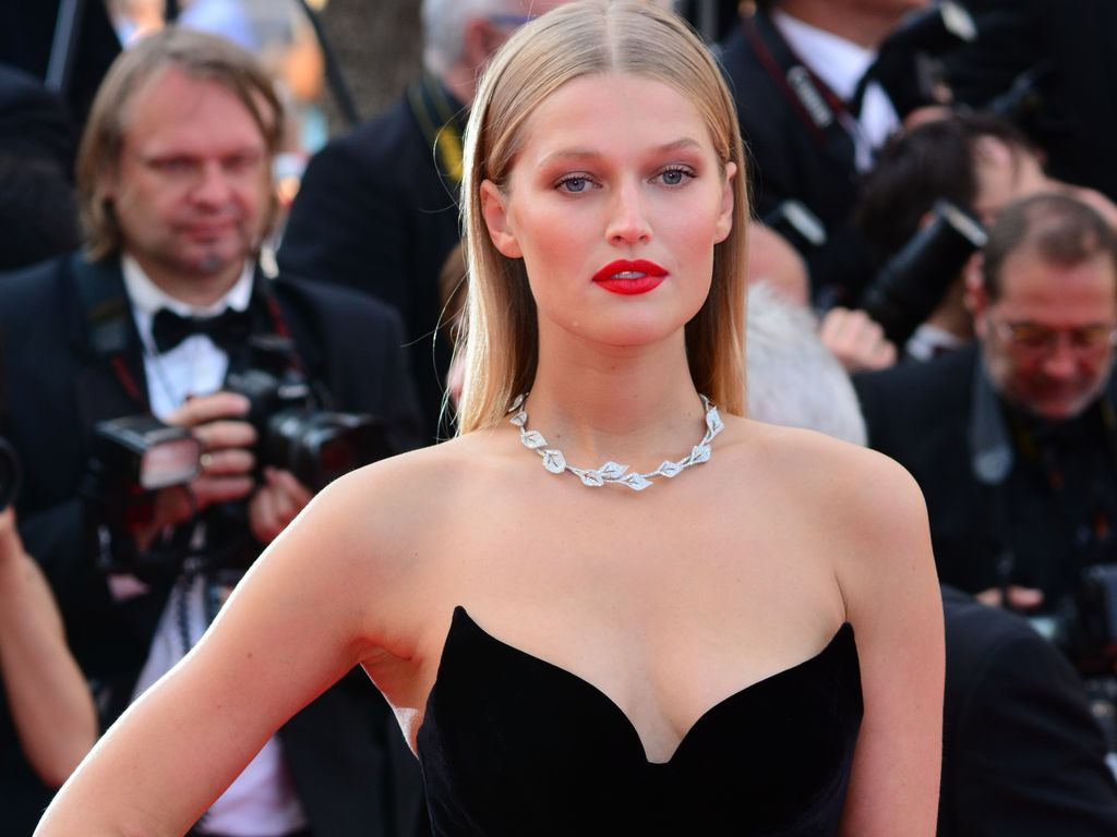 Toni Garrn in Cannes