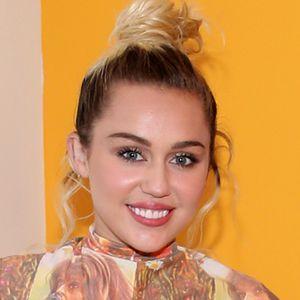 Miley Cyrus nackt gehackt