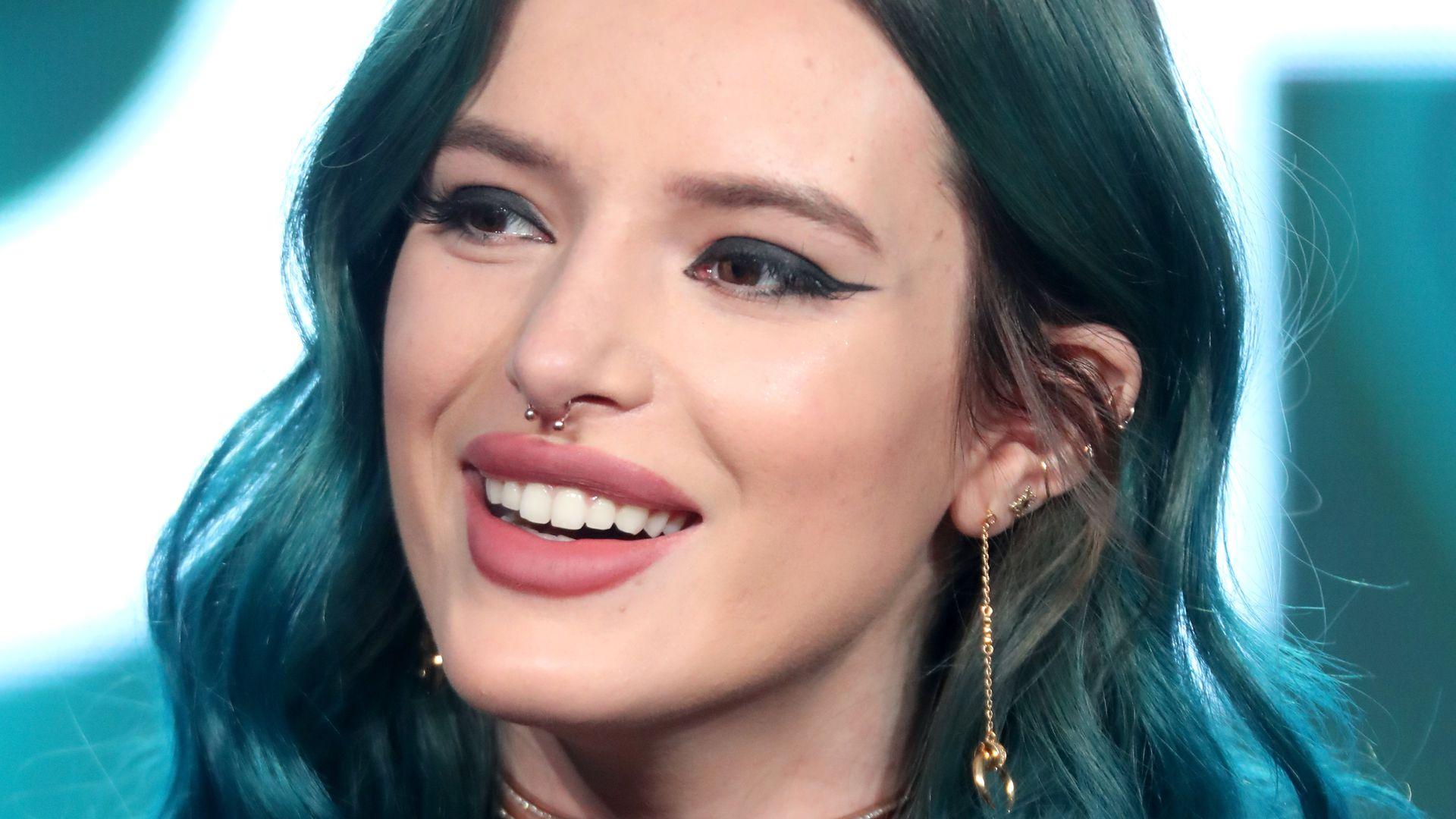 Nackt für GQ Mexiko: Bella Thorne lässt alle Hüllen fallen