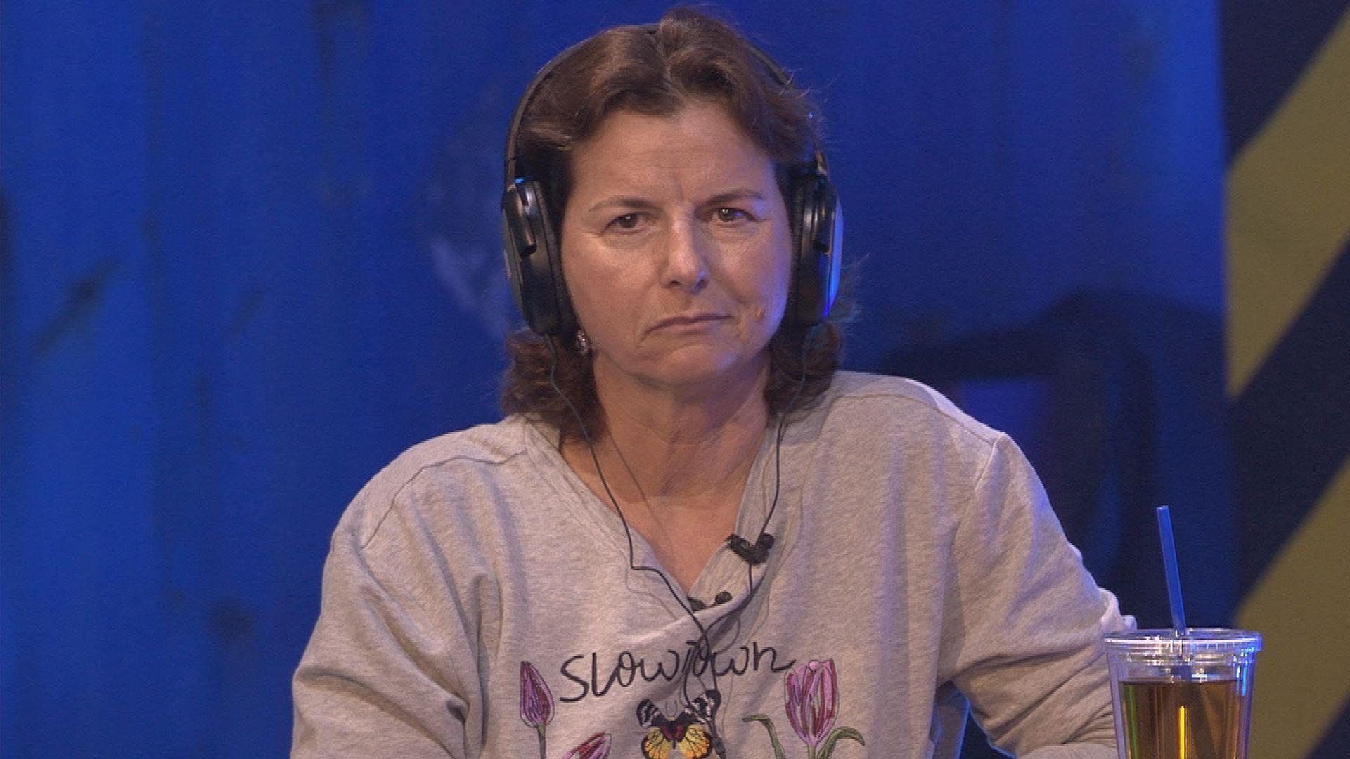 Dauer Blau Promi Bb Fans Lachen Claudia Obert Aus Promiflashde