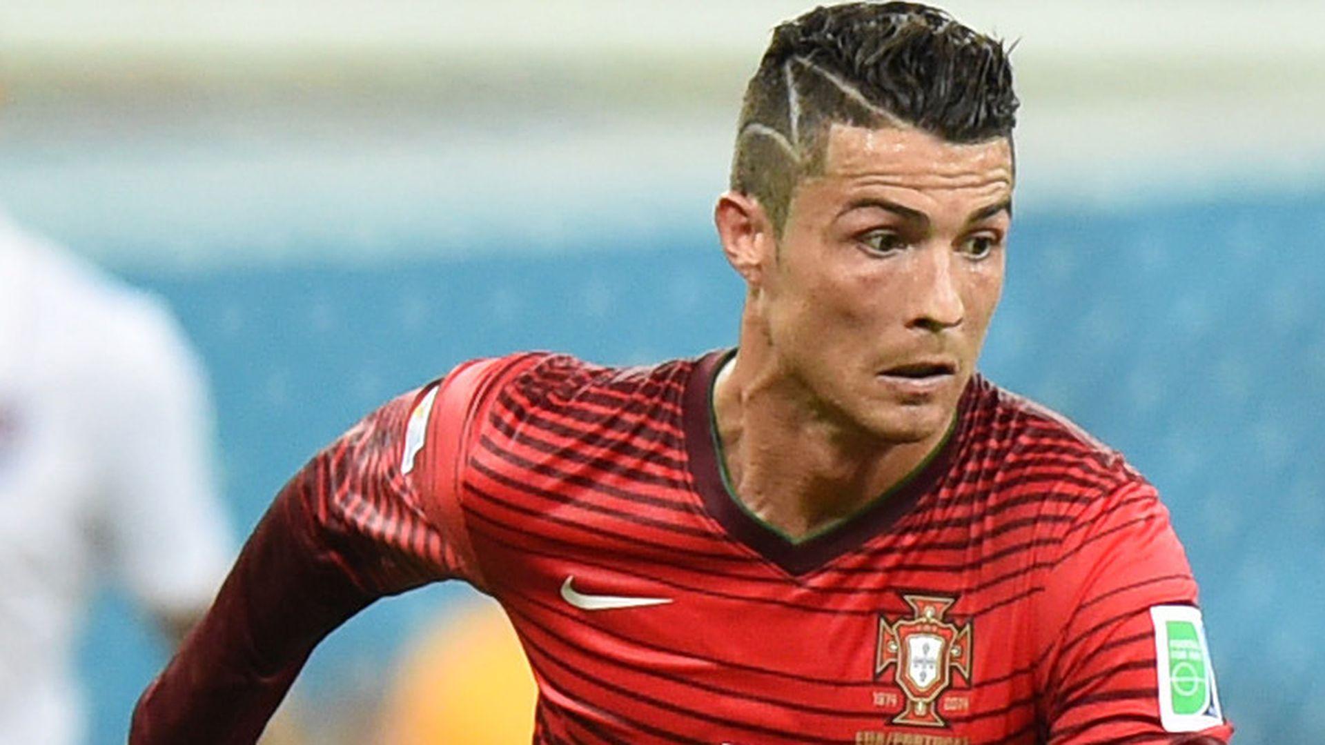 Cristiano Ronaldo Lovestorm nach Haarzacken Geste