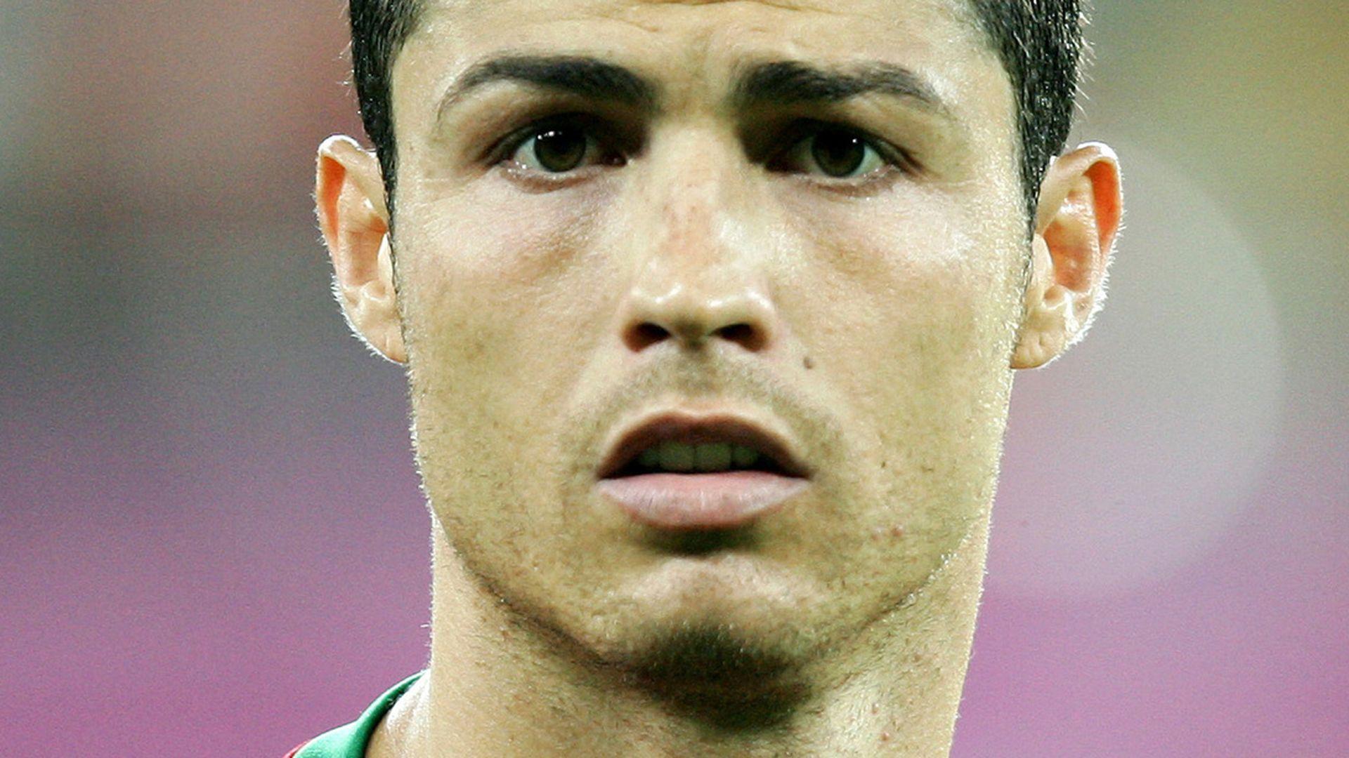 Gel Frisur Bar Refaeli disst Cristiano Ronaldo